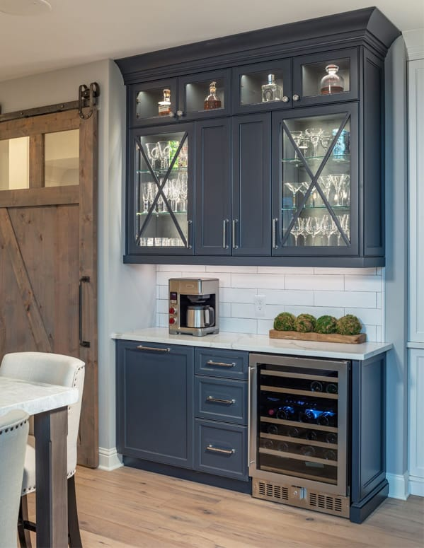beautiful-kitchen-blue-cabinets